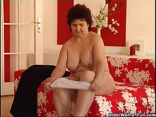 chubby brunette chick swallowing cum