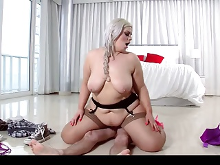 Hot bbw in stockings gets fucked