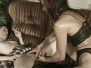 Lesbian family. (complete french movie)f70