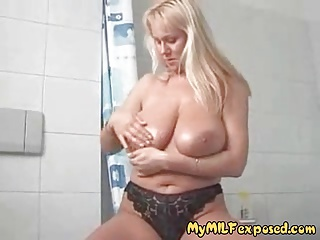 exposing huge boobs mature amateur