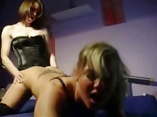 Sexy amaters fucking with a strapon by twistedworlds