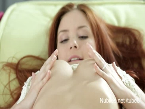 19 yr old redhead makes her pussy cream