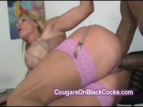 Big stacked MILF fucked by huge black dic ...