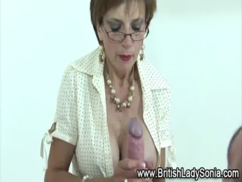 Sexy mature Lady Sonia gets a cumshot