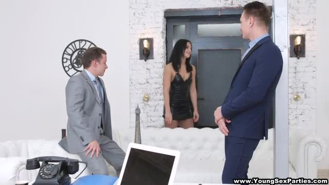Young Sex Parties Nubile DPed by two businessmen