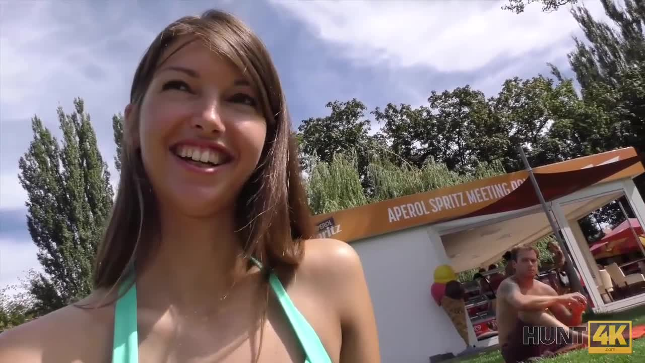 HUNT4K Cash makes pretty babe Susan Ayn ready for blowjob and anal in park