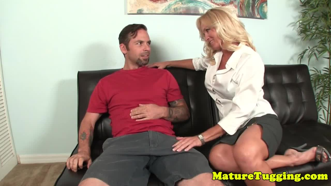 Bigtits gilf in highheels tugging cock