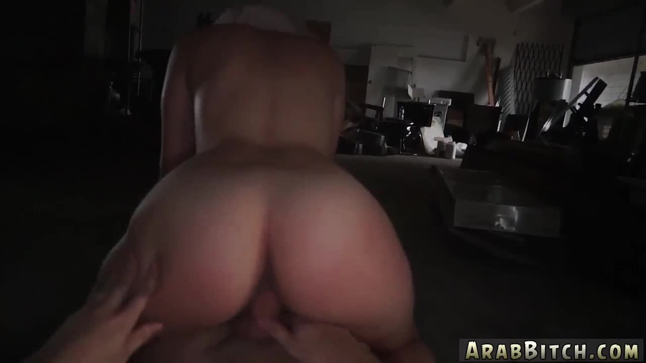 arab suck in car aamir s delivery | smutty
