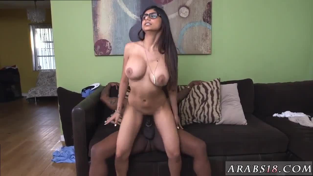 arab girlcrony and horny mia khalifa tries a big black dick | smutty