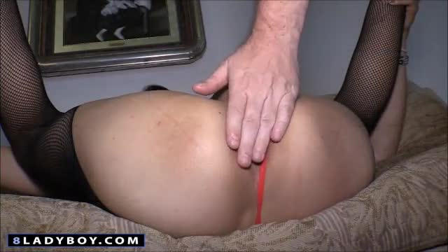 Ladyboy Chompoo Fucked Bareback And Handjob