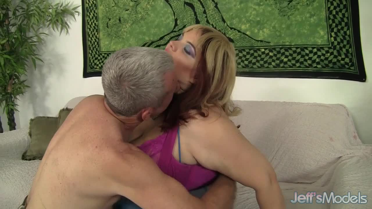 Chubby Bimbo Buxom Bella Gets Down with a Horny Geezer