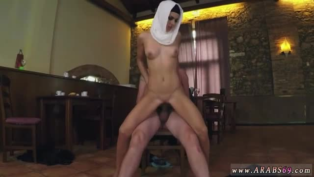 Arab black dick hungry woman gets food and 10