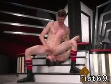 Gay sex small side Axel Abysse and Matt Wylde bathe each other in a