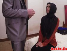 Amateur muslima fucks for money like a whore