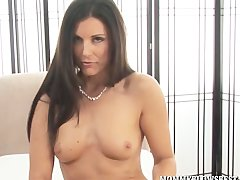 Sultry India Summer Giving A Sensual MILF Blow Job