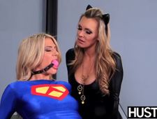 Stunner lesbo Tanya Tate fiddles pussy with toys before oral